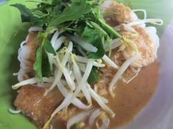 09 ขนมจีนน้ำยาปลาช่อน