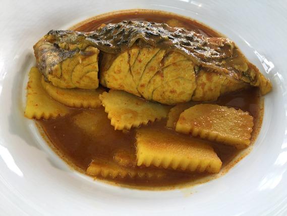 10 แกงเหลืองปลากะพงยอดมะพร้าว