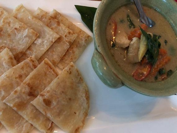07 โรตีและแกงเขียวหวานไก่