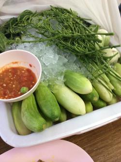 03 น้ำพริกกะปิ และผักสด