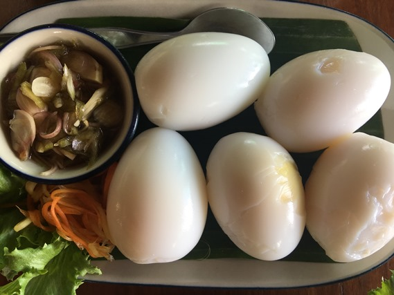 05 ไข่ต้มยางมะตูมกับยำพริกน้ำปลา