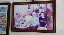 22 รูปคุณพ่อสมัยที่มาที่ร้าน