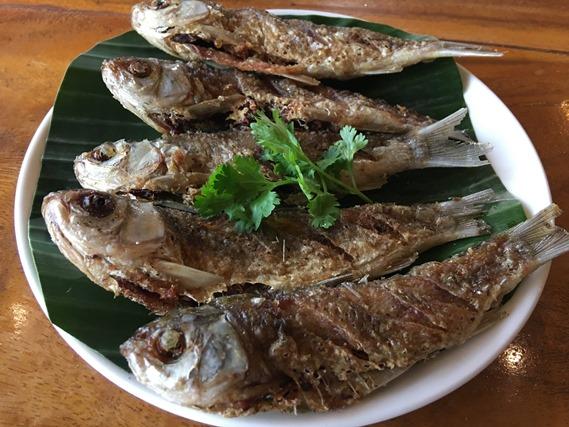 09 ปลาสร้อยทอดกรอบ