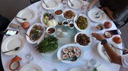 14 อาหารเต็มโต๊ะ