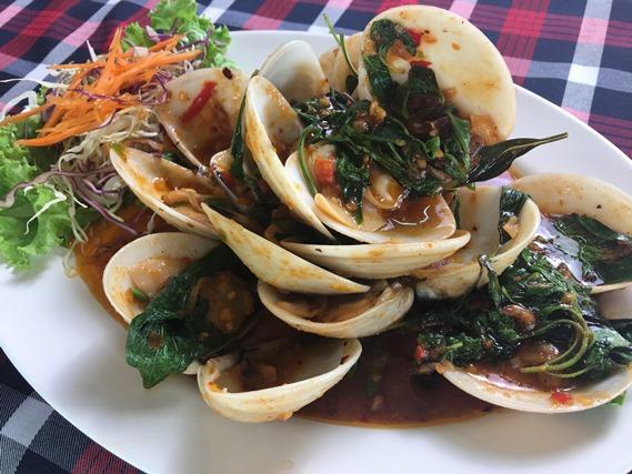03 หอยขาวผัดน้ำพริกเผา