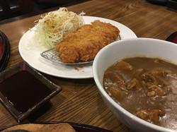 05 ทงคัตซึกับซอสแกงกะหรี่ญี่ปุ่น