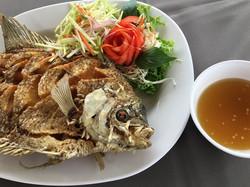01 ปลาแรดทอดน้ำปลา