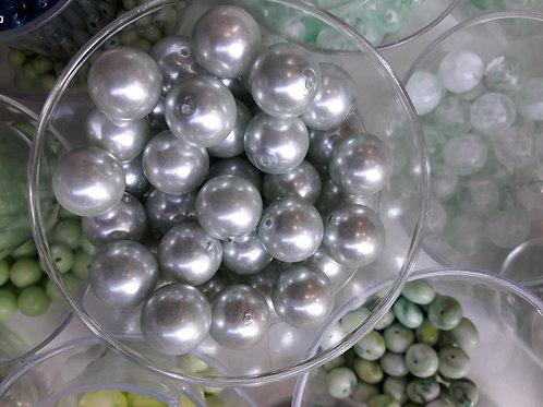 3 perles nacre sur verre bleu turquoise pâle Ø14
