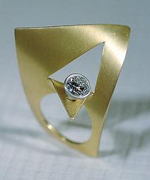 WACHSENDER-GEIST-Ring-Brillant-Gerold Schodterer 2000