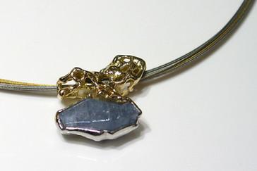 HALSSCHMUCK - Safirkristall