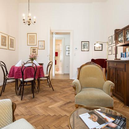 Nostalgie-Apartment KLEINOD - Wohnzimmer