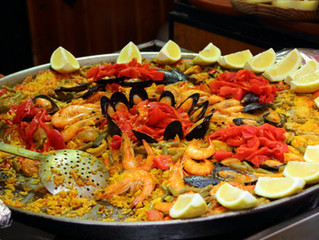 Why Paella catering is the best for a small get together?