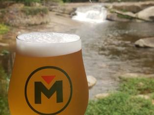 Taps abertos fazem a folia sem eventos das cervejarias nas cidades serranas do Rio de Janeiro