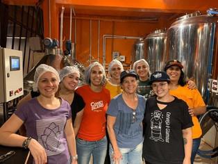 Infinitas, cerveja colaborativa feita por mulheres, celebra o primeiro aniversário do brewpub carioc