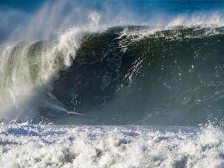 Itacoatiara Big Wave atrai os maiores surfistas de ondas grandes para Niterói