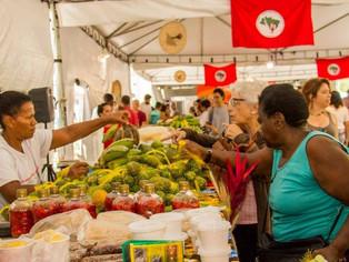 Tradicional feira de produtores do MST chega ao Largo da Carioca