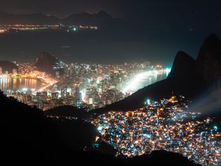 'Projeta Rocinha' usará o Morro Dois Irmãos como tela para exibição de filmes