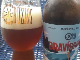 Cervejaria Búzios lança a Imperial IPA Bravíssima para comemorar os dez anos da marca