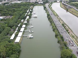 Lancha projetada por Ayrton Senna e outra que pertenceu a Pelé são atrações do SP Boat Show