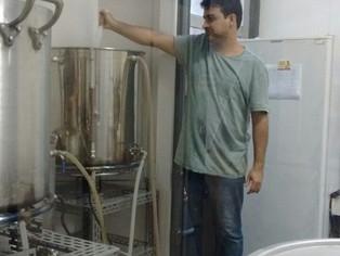 Na UFF, produção de cerveja mata a sede de pesquisa universitária