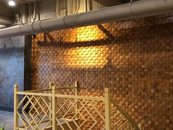 Mẫu gỗ ốp tường mosaic 3D đẹp cho quán cà phê, nhà hàng, khách sạn
