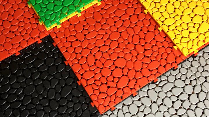 Stone - Vỉ nhựa lót sàn ban công hình viên sỏi (30x30x1cm) - Màu Vàng / Yellow