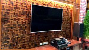 Tấm ốp tường 3D mosaic gỗ tự nhiên trang trí nội thất phòng khách. Công trình: Thanh Trì - Hà Nội