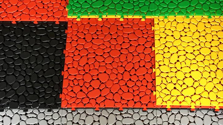 Stone - Vỉ nhựa lót sàn ban công hình viên sỏi (30x30x1cm) - Màu Xanh / Green/