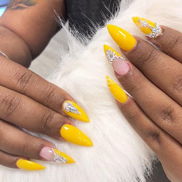 Nails before males! 💛💛💛💛💛💛💛💛💛 N