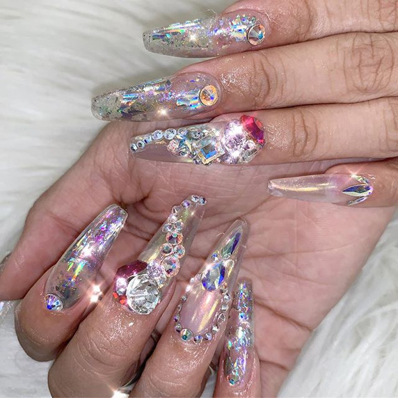 What woman doesn't love bling! _Tag some