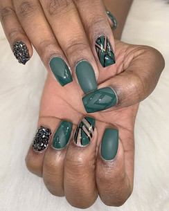 Did you schedule your holiday nails in_
