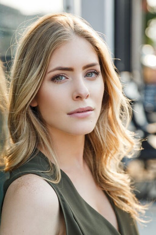 Jordan Claire Robbins in upcoming film with Clive Owen and Amanda Seyfried