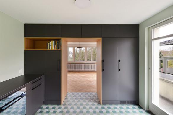 Neue Küche mit Blick in den Essbereich