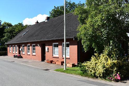 Zweifamilienhaus in Hattstedt bei Husum/Nordsee mit schönem Garten & Carport
