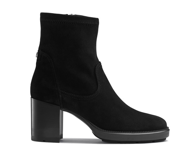 Ecommerce photography of menswear and womenswear product boots shot in London. High detail, High end product photography and ecommerce photography, still life, mannequin, jewellery on white backgrounds.