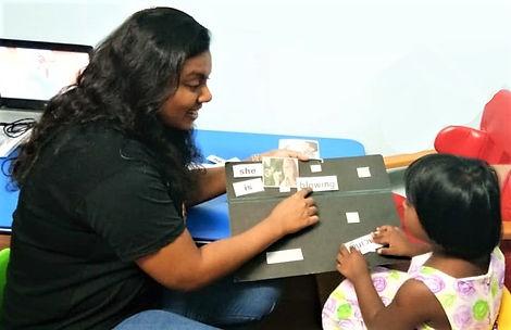 Louis Center or Autism Seremban Speech Therapy session on three word sentences by Speech Therapist Karen