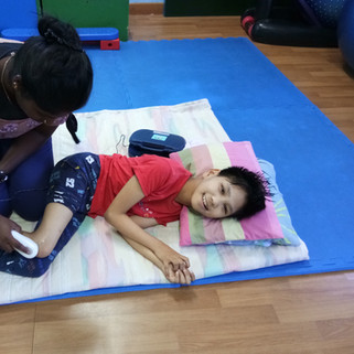 Physiotherapy for Cerebal Palsy using ultra sound at Louis Center cp Intensive therapy