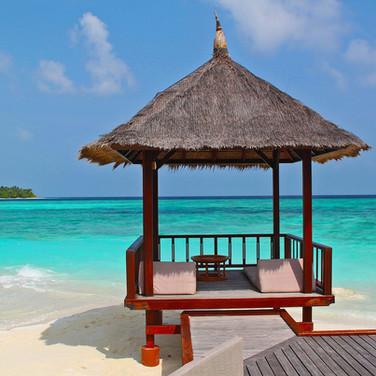 #32 beach-hut-237489_1920.jpg