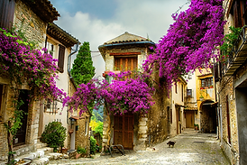 FR_Provence_Old Town_RF_ss145666070_92c3