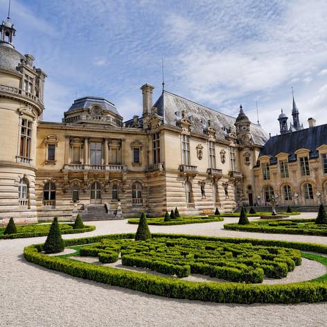 chateau-2353148_1920.jpg