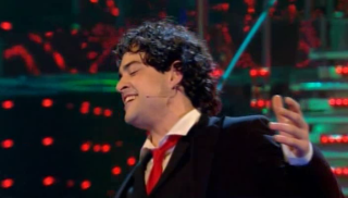 Lee Mead singing Mack the knife