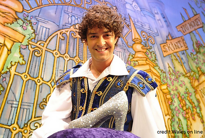 Lee Mead perfect Prince Charming