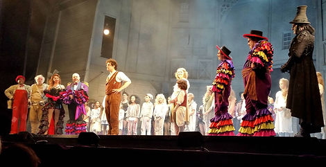 Chitty cast as Lee Mead says goodbye