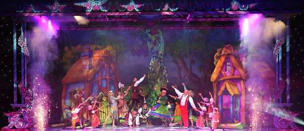 Spectacle(SouthendTheatres).jpg