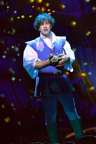 Lee Mead as Aladdin