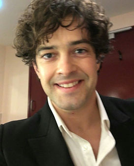 Lee Mead Back stage
