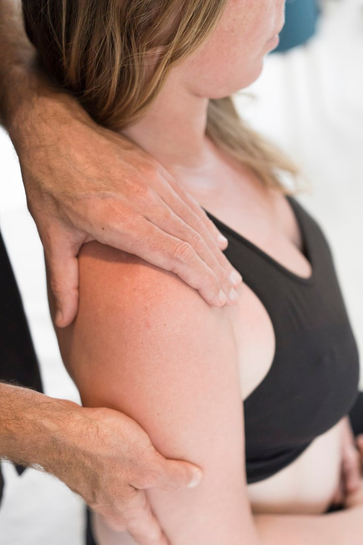 Traitement ostéopathique de l'épaule du sportif