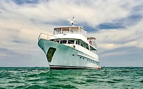 yacht rental in panama