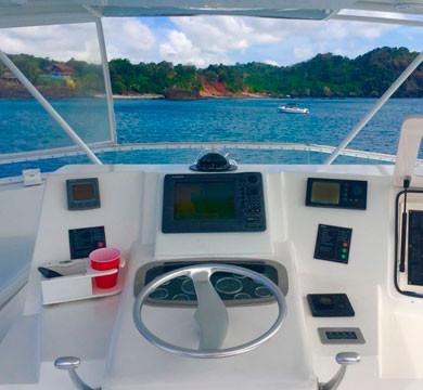pearl islands boat rental in panama