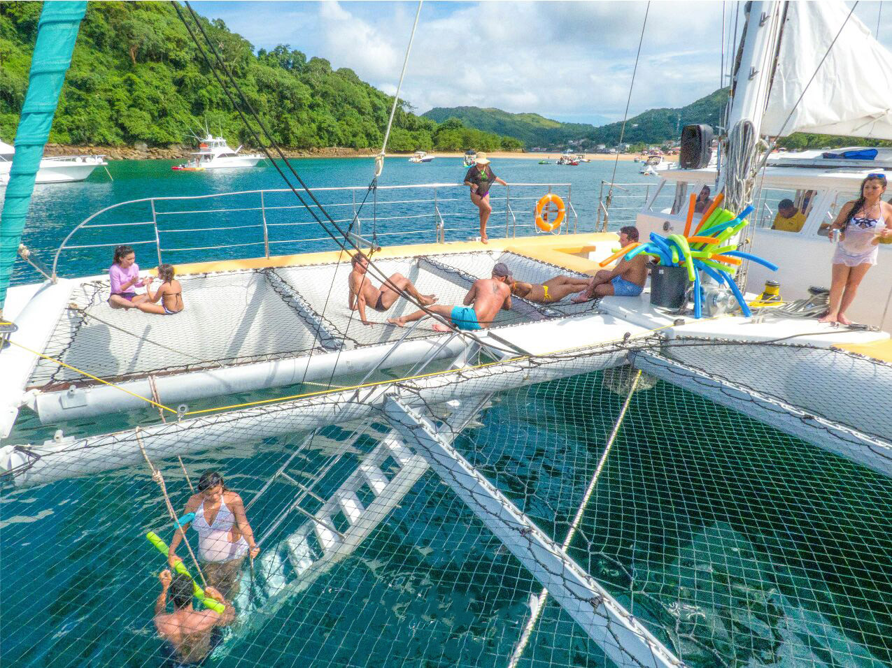 nets of 78ft catamaran for boat party in panama